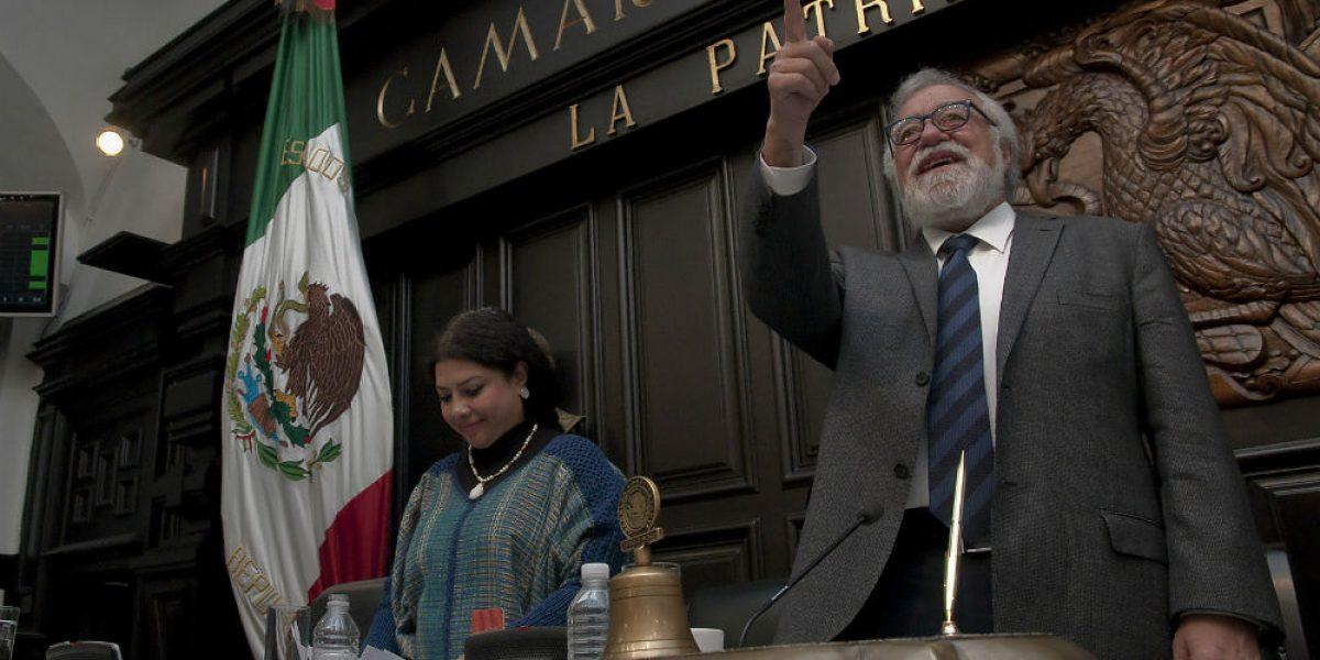 Constituyentes cierran trabajos legislativos tras aprobar Constitución