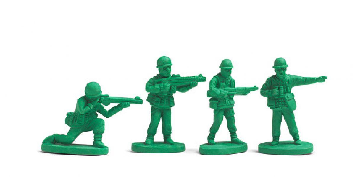 Intercambian juguetes bélicos por didácticos para erradicar violencia