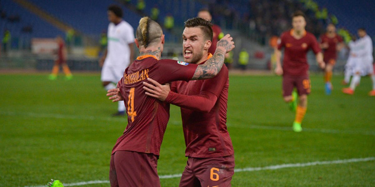 La Roma golea a la Fiorentina de Carlos Salcedo