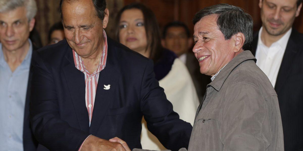 Gobierno de Colombia y ELN arrancan proceso de paz en Quito