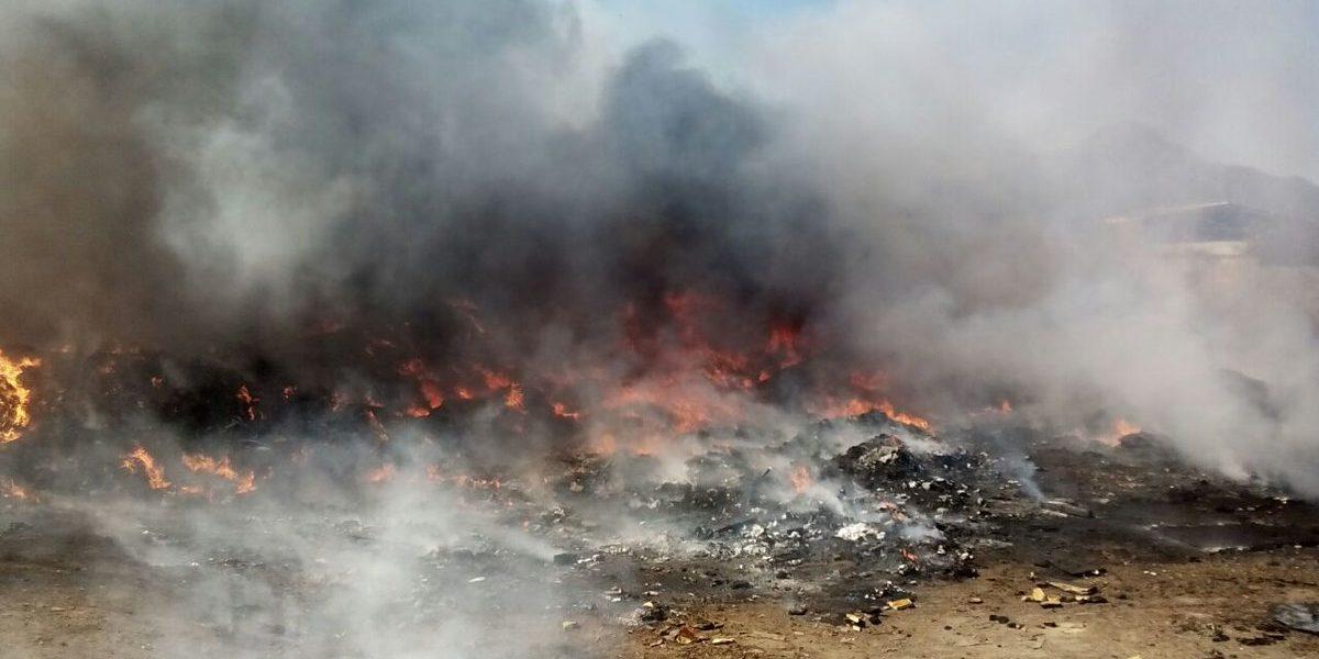 Se incendia tiradero de plástico en Nuevo León