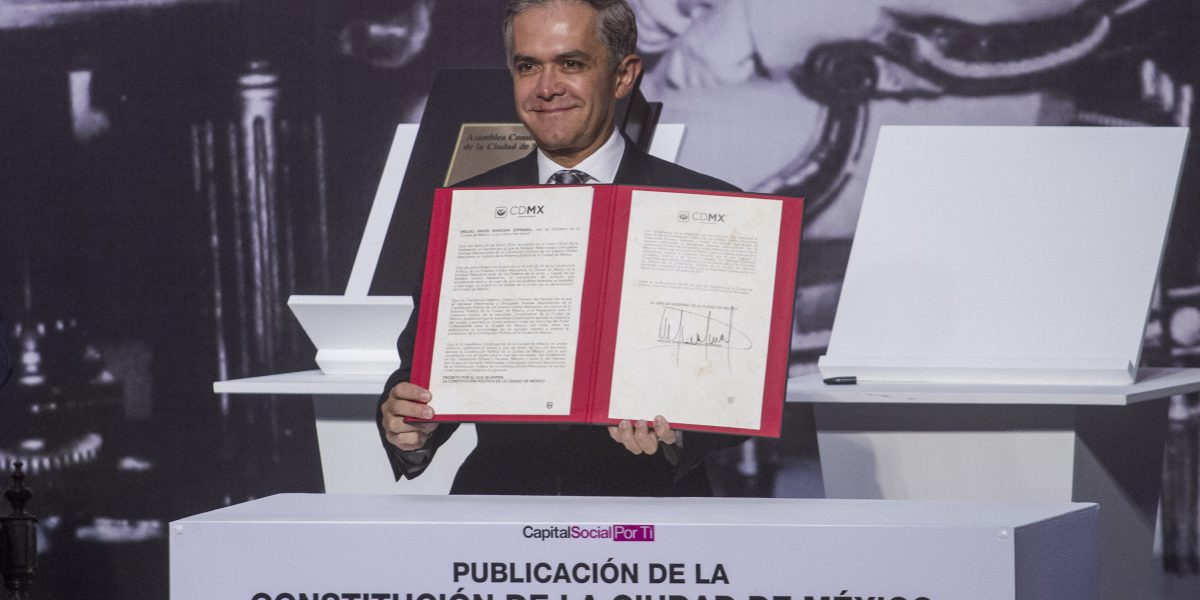 Respeto opinión de Norberto Rivera sobre Constitución: Mancera