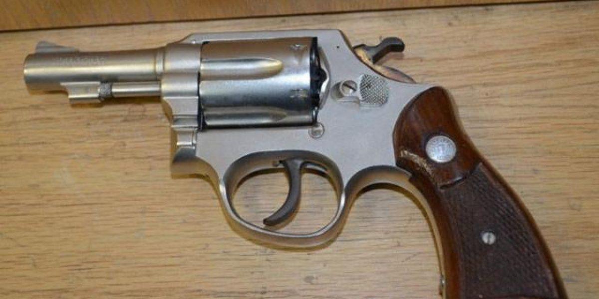 Encuentran pistola en secundaria de Monterrey