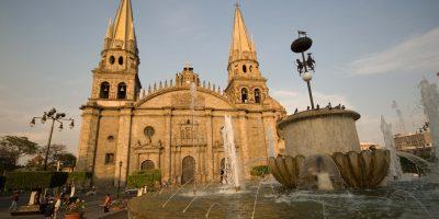 Guadalajara celebra cumpleaños con mucha luz
