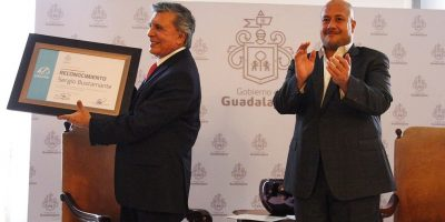 Sergio Bustamante recibe reconocimiento en Guadalajara