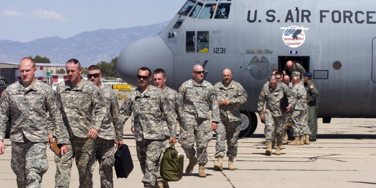 Trump alista 100 mil efectivos de la Guardia Nacional contra migrantes