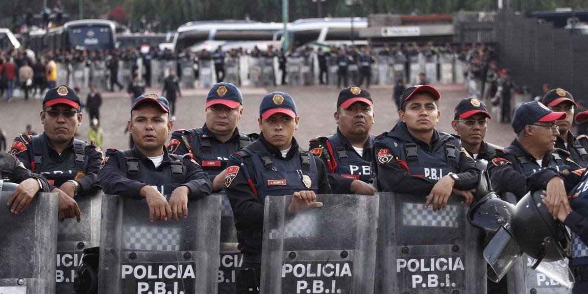 Más de cuatro mil policías vigilarán partidos de futbol