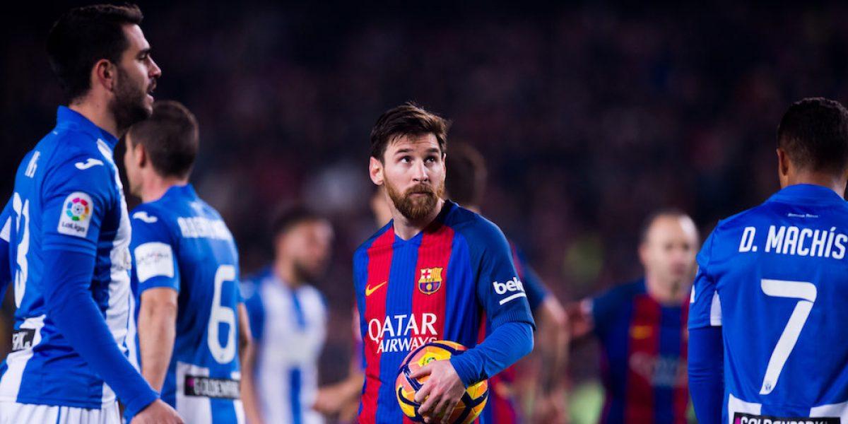 Messi rescata a un irreconocible Barcelona