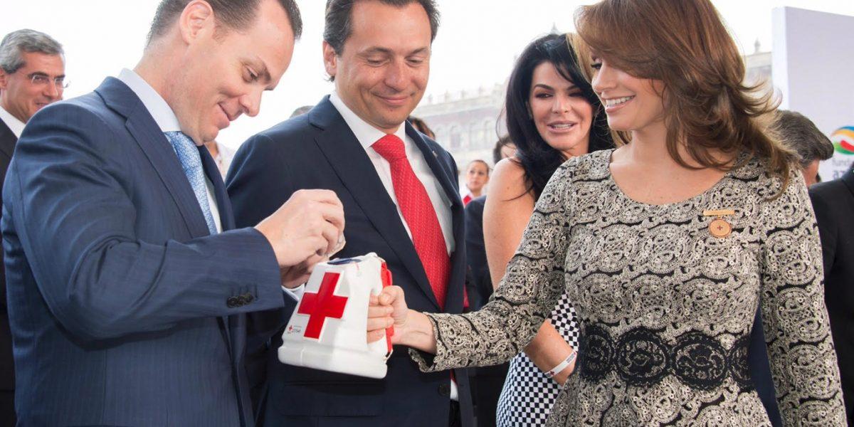 Angélica Rivera rinde homenaje a la Cruz Roja
