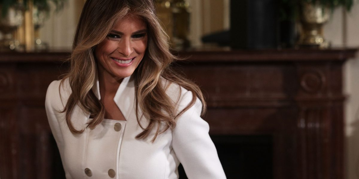 Melania cumple con los requisitos de Trump para ser deportada