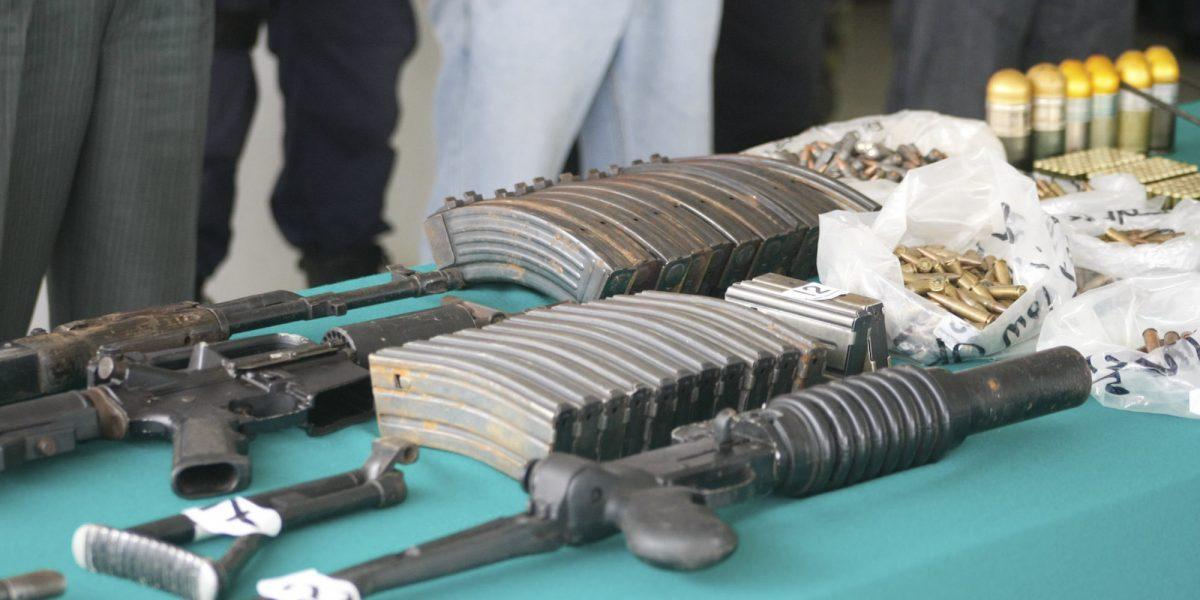 Autoridades plantean mayores controles en aduanas para impedir entrada de armas