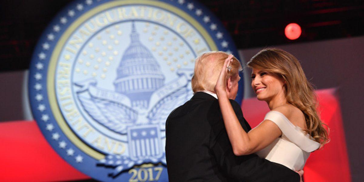 Trump hace competencia a los Óscar con baile en la Casa Blanca