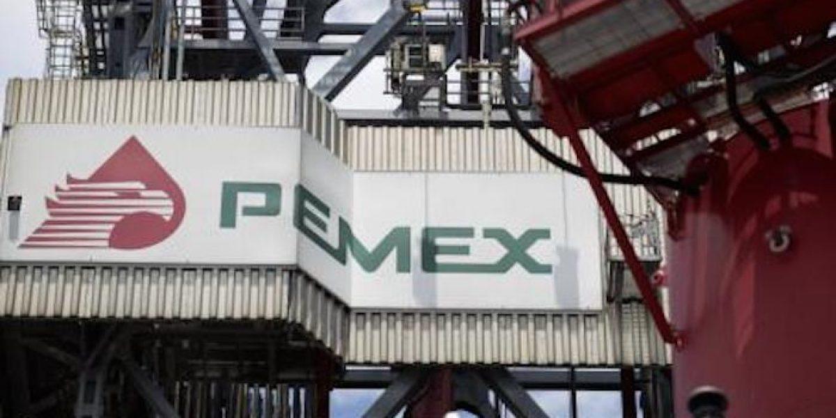 SFP inhabilita a 4 ex trabajadores de Pemex por ordeña; investiga a 28 más