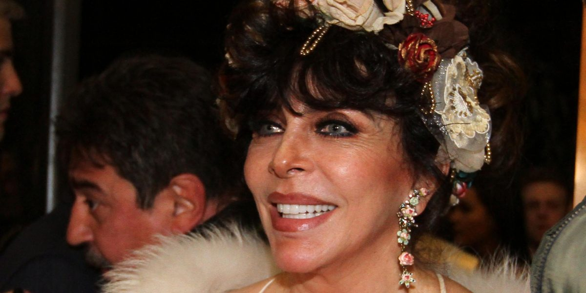 Verónica Castro es reconocida como Mejor Actriz en musical