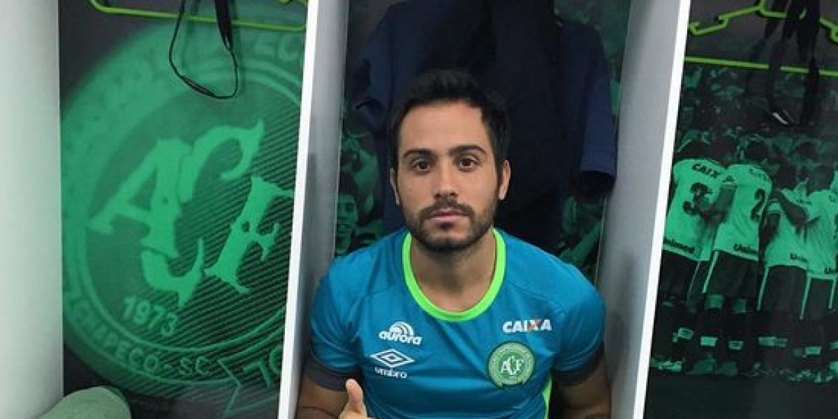 Chapecoense despide a jugador que se salvo del avionazo