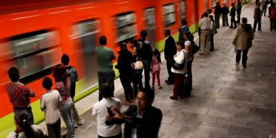 Falla en el Metro pega a ocho estaciones y miles de usuarios