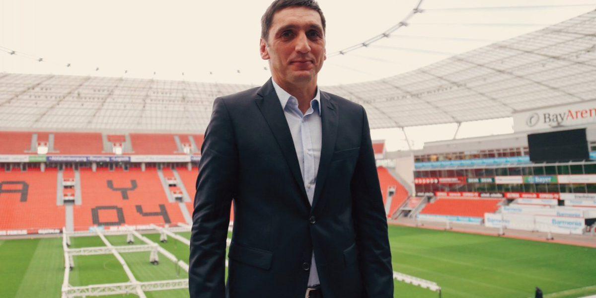 Presentan a Tayfun Korkut como nuevo entrenador del Bayer Leverkusen