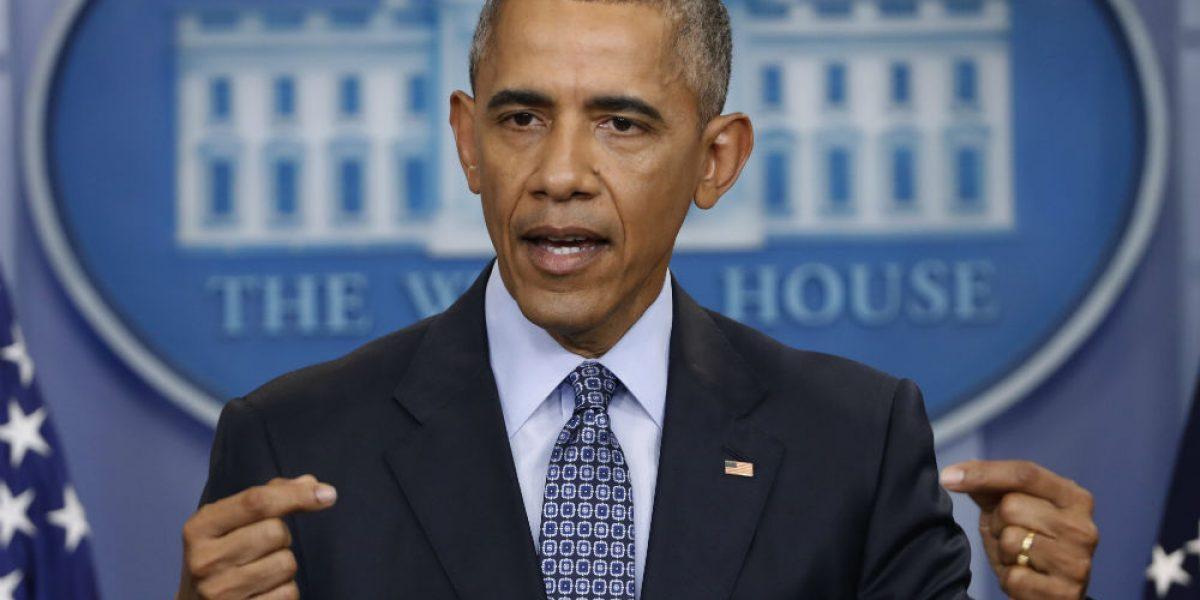 FBI pidió, sin éxito, desmentir acusaciones de espionaje contra Obama
