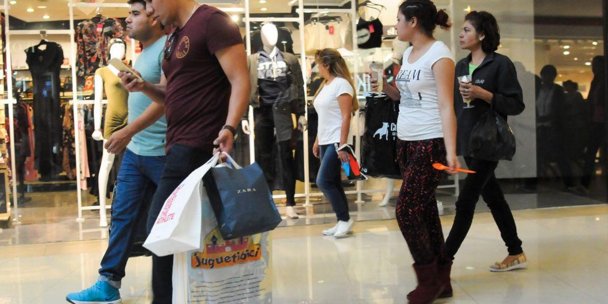 Consumo privado crece 4.7% en diciembre: INEGI