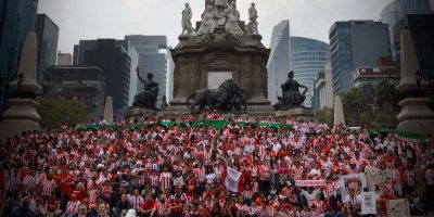 Aficionados del Necaxa se reunieron en el Ángel de la Independencia