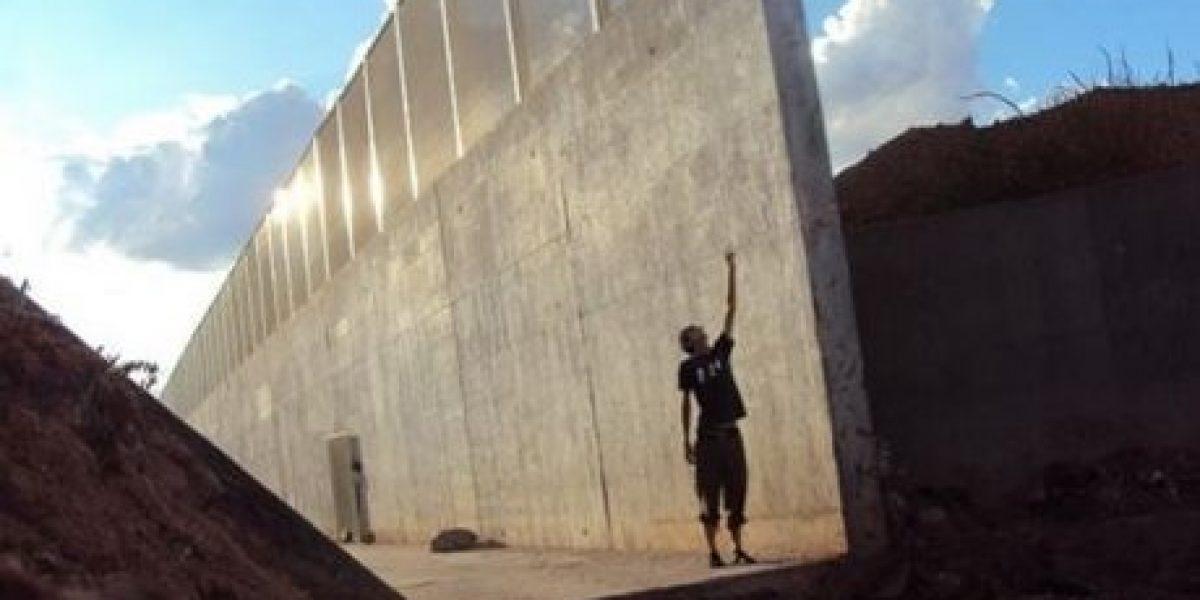 París rechaza a empresa por construir muro entre EU y México