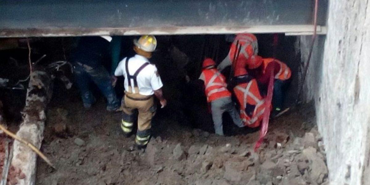 Derrumbe de barda en la San Rafael deja un muerto y cuatro heridos