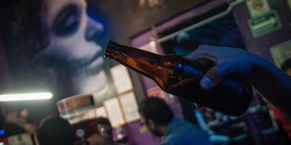 Venta de bebidas energizantes y alcohólicas sube 168% en tienditas