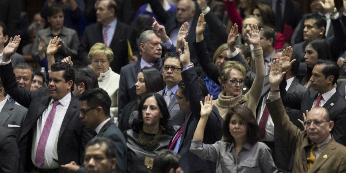 Diputados avalan iniciativa preferente para revalidar estudios de Dreamers
