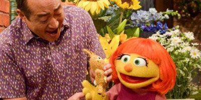 Plaza Sésamo presenta a Julia, una niña con autismo