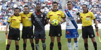 Puebla se manifiesta en contra del árbitro Jorge Pérez ¡piden justicia!