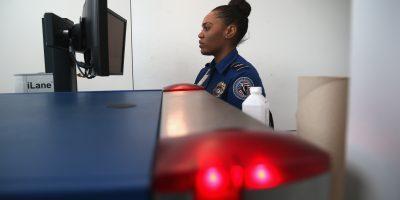 Prohíben aparatos electrónicos en ciertos vuelos a Estados Unidos