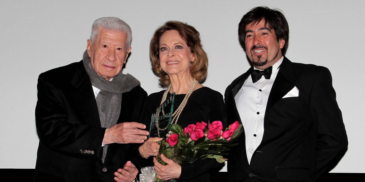 Silvia Mariscal recibe homenaje por su trayectoria en cine, teatro y televisión