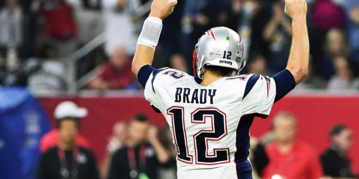 Jersey de Tom Brady no es el primero que habría robado el periodista mexicano