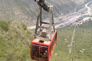 Alcaldes proponen crear teleférico de Monterrey a San Pedro