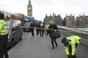 EN VIVO Operativo de seguridad por disparos en las afueras del parlamento británico