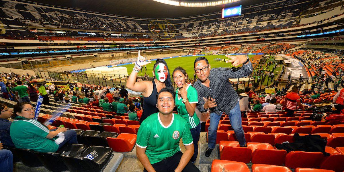 Te invitamos al Estadio Azteca para el México-Costa Rica, cortesía de Corona
