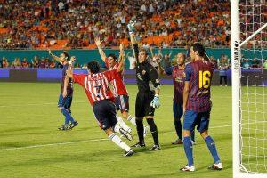 VIDEO: Barcelona recuerda el día que fue goleado por Chivas