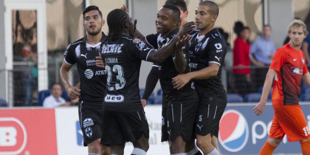 Monterrey golea a los Toros en la inauguración de su estadio