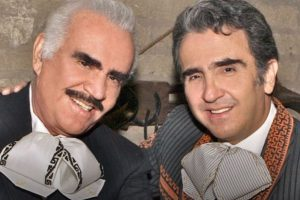 Vicente Fernández Jr desmiente que su padre esté hospitalizado