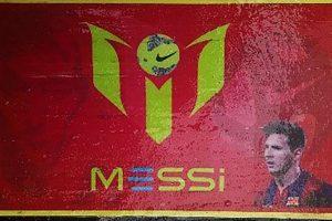 FOTO: Decomisan tonelada y media de cocaína con la cara de Messi