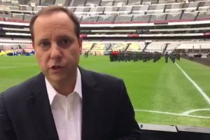 VIDEO: Paco Villa debuta en su nueva televisora