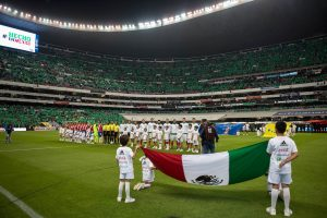 Las mejores postales del triunfo de México en el Estadio Azteca