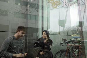 Universidades reportan un descenso de 40% en las solicitudes de extranjeros