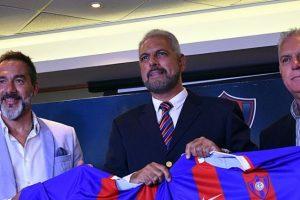 Firma el técnico Gustavo Matosas con el equipo Azulgrana