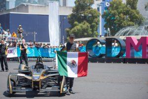 Esteban Gutiérrez tomó Paseo de la Reforma para probar su monoplaza de Fórmula E
