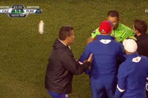 VIDEO: Paco Jémez por poco pierde la cabeza con un árbitro