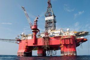 México contratará seguros para fijar y proteger precio del petróleo