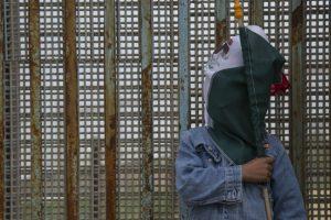 'Traidores a la patria', empresarios mexicanos que quieren participar en muro: Arquidiócesis