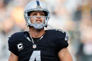 Derek Carr de los Raiders se dice triste tras confirmarse mudanza a Las Vegas