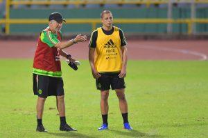 Osorio afirma que Chicharito está en condiciones para jugar ante TyT